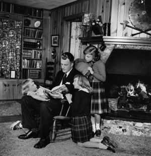 Billy Graham Daddy_Reading_to_Kids