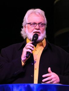 Chuck Pierce mic